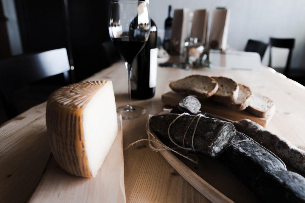 Salami e formaggi - Agriturismo Statale 17